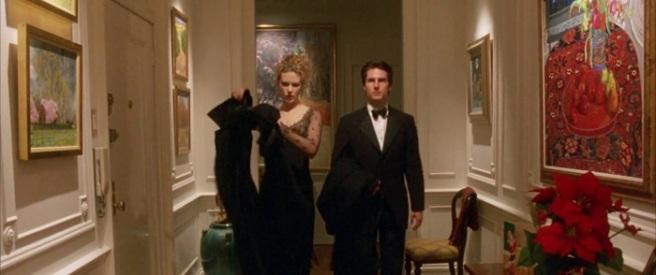 Kidman and Cruz in Eyes wide shut with paintings